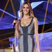 Fernanda Lima usa vestido jeans decotado no 'SuperStar' e ganha elogios: 'Linda'