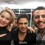 Ex-BBBs Cacau e Matheus tietam Zezé Di Camargo e Graciele Lacerda em show