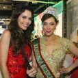 Christiane Torloni encontrou a apresentadora Daniela Albuquerque na cerimônia de sua coroação como rainha de bateria da Grande Rio