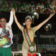 Christiane Torloni foi coroada rainha de bateria da escola de samba Acadêmicos do Grande Rio na madrugada deste domingo, 20 de outubro de 2013