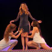 Ingrid Guimarães é homenageada em festival e participa de performance sensual