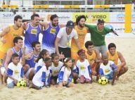 Bruno Gissoni, Thiago Rodrigues e atores participam de jogo beneficente no Rio
