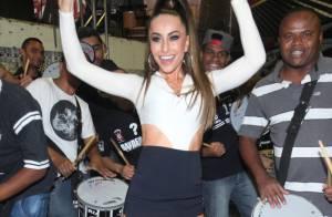 Sabrina Sato samba na Gaviões da Fiel e se diverte com o namorado