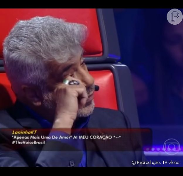 Lulu Santos se emociona com apresentação da música 'Apenas mais uma de amor' na 'batalha' do 'The Voice Brasil', em 15 de novembro de 2013