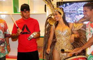 Lewis Hamilton cai no samba e recebe convite para desfilar no carnaval carioca