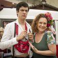 Márcia (Elizabeth Savala) conta sua história com Félix (Mateus Solano) e lhe explica o motivo de tê-lo acolhido em sua casa, em 'Amor à Vida', em 25 de novembro de 2013