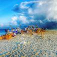 Isabeli Fontana e Di Ferrero se casaram em cerimômia à beira-mar nas Maldivas