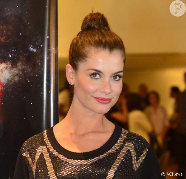 Alinne Moraes está grávida de um menino, segundo a coluna 'Retratos da Vida', do jornal 'Extra', em 23 de novembro de 2013