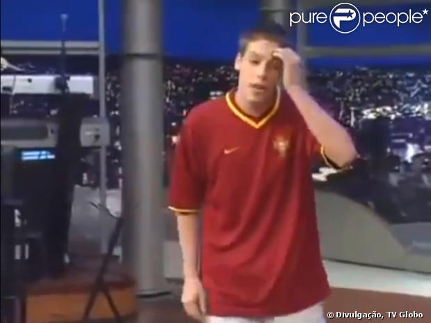 Aos 18 anos, Fábio Porchat apresenta pela primeira vez um número na TV, no programa de Jô Soares. Ele pediu para que um produtor entregasse um bilhete papel para o apresentador, pedindo que o chamasse