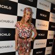 Fernanda Lima apostou no turbante colorido para compor o visual, além do batom vermelho, em 27 de novembro de 2013