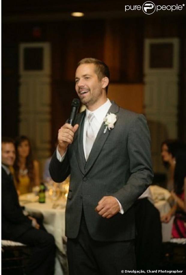 Paul Walker foi padrinho de casamento de seu irmão poucas semanas antes de falecer, em 6 de dezembro de 2013