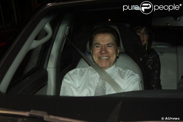 Silvio Santos já chegou alegre ao casamento da filha. O apresentador estava em contagem regressiva para levar a filha número 2 ao altar