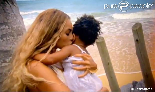 """Beyoncé gravou clipe """"Blue (feat. Blue Ivy)"""" com a filha, Blue Ivy, de 1 ano, no Brasil"""