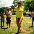 Beyoncé arriscou alguns passos de funk no clipe da música 'Blue (feat Blue Ivy)' gravado no Brasil