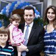 Celso Russomanno também levou sua família para dar os parabéns para Helena, filha de Rodrigo Faro, em 19 de dezembro de 2013