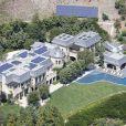 O casal já é proprietário de uma casa avaliada em US$ 40 milhões, cerca de R$92 milhões, localizada em Los Angeles