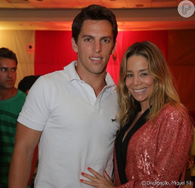 Danielle Winits passaou a virada de ano ao lado do namorado, Amaury Nunes, no hotel Royal Tulip, em São Conrado, na Zona Sul do Rio de Janeiro