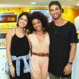 Pablo Morais e Letícia Almeida prestigiam Cinara Leal, atriz de 'Sol Nascente', em inauguração de quiosque de doces,  em um shopping em Botafogo, Zona Sul do Rio, neste domingo, 11 de dezembro de 2016