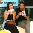 Pablo Morais e mais famosos prestigiam Cinara Leal, atriz de 'Sol Nascente', em inauguração de quiosque de doces,  em um shopping em Botafogo, Zona Sul do Rio, neste domingo, 11 de dezembro de 2016