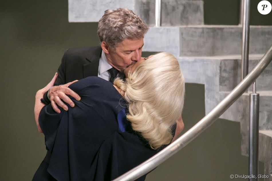 A Lei do Amor  terá uma semana de cenas quentes para bombar a audiência 0f16a7271a919