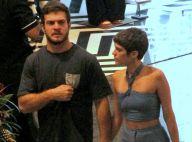 Isabella Santoni deixa barriga à mostra em passeio com namorado. Fotos!