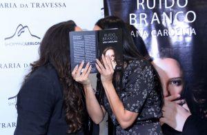 Ana Carolina ganha 'selinho secreto' de Letícia Lima ao lançar livro. Fotos!