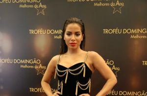 Anitta usa look curto no 'Melhores do Ano' e divide opiniões: 'Melhor trocar'