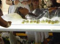 Isis Valverde fica quatro horas num caixão em funeral da personagem Sereia