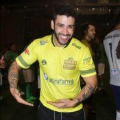 Gusttavo Lima, animado com a chegada do 1º filho, 'nina bebê' após jogar futebol