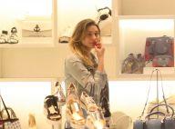 Sasha Meneghel, de férias no Rio, vai às compras com look casual. Fotos!