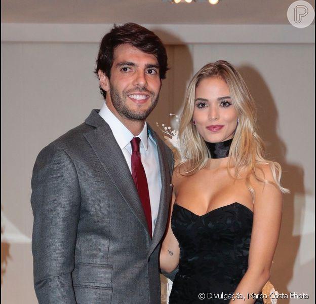 Kaká vai com Carolina Dias, apontada como nova namorada, em casamento do jogador Lucas na noite da última sexta-feira, dia 24 de dezembro de 2016