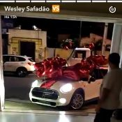 Wesley Safadão ganha carro de R$110 mil da mulher, Thyane: 'De Natal'. Vídeo!