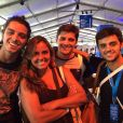 Rodrigo Simas, Felipe Simas e Bruno Gissoni com a mãe, Ana Paula Sang