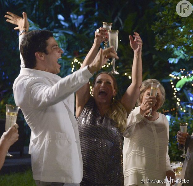 O último capítulo de 'Amor à Vida', da TV Globo, será exibido no dia 31 de janeiro e terá uma peculiaridade: terá 90 minutos de duração, como informou a colunista Patricia Kogut do jornal 'O Globo' desta segunda-feira, 20 de janeiro de 2014
