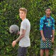 Ao ser abordado, Bieber tentou resistir à prisão