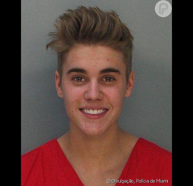 Polícia divulga foto de Justin Bieber preso. Cantor é determinado a pagar fiança de US$ 2500 após ser preso por dirigir embriagado, em 23 de janeiro de 2014