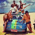 Os atores fizeram o famoso passeio de bugue nas dunas de Genipabu. Max, Henri, Thiago, Dudu e Thaíssa estão se preparando para a próxima novela das seis, 'A flor do Caribe'