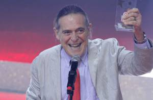 José de Abreu assume bissexualidade no Twitter: 'Prefiro o que me dá prazer'