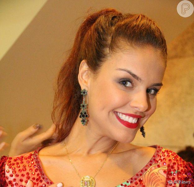 Paloma Bernardi é cotada para assumir o posto de rainha de bateria da Grande Rio em 2015