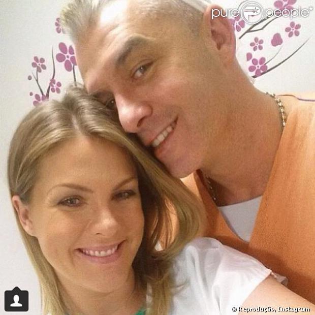 Ana Hickmann d� � luz o primeiro filho, Alexandre, em 7 de mar�o de 2014