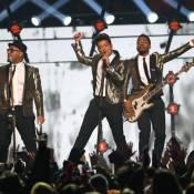 Bruno Mars e Red Hot Chili Peppers não surpreendem em show do Super Bowl