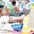 Christine Fernandes curtiu o domingo, 5 de fevereiro de 2017, na praia da Barra da Tijuca, Zona Oeste do Rio. A atriz mostrou sua ótima forma a bordo de um biquíni de lacinho