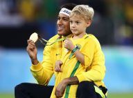 Neymar ganha festa de aniversário e posa abraçado ao filho: 'Meu maior presente'