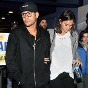 Neymar leva a namorada, Bruna Marquezine, e amigos ao cinema em Barcelona