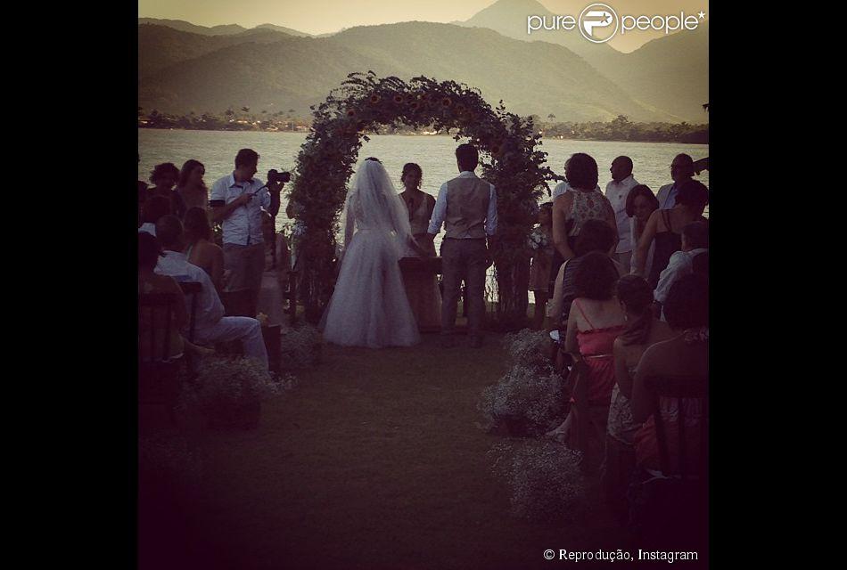 Giselle Itié e Emilio Dantas se casaram em segredo no sábado, dia 1° de fevereiro de 2014