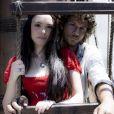 Anna Millmann (Isabelle Drummond) e Joaquim (Chay Suede) formam casal na novela 'Novo Mundo'