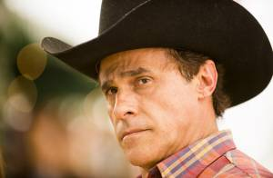 'Em Família': Ramiro, o pai de Helena, morre de enfarte no casamento da filha