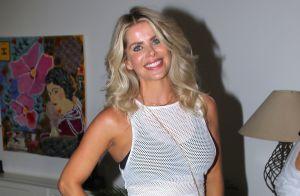 Grávida de 3 meses, Karina Bacchi exibe orgulhosa barriguinha em evento. Fotos!