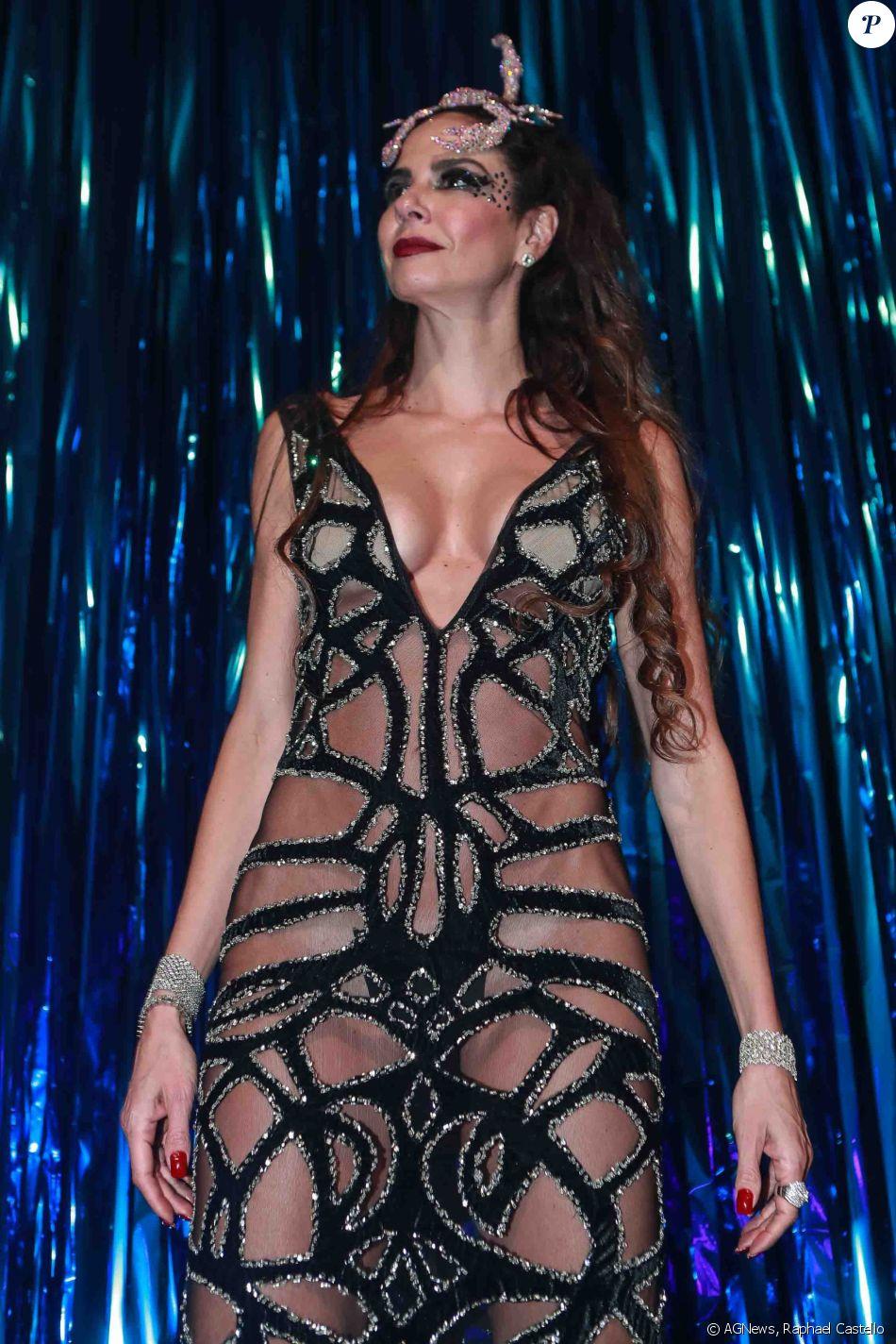 Luciana Gimenez afirmou estar de calcinha ao usar vestido Patricia Bonaldi, no Baile da Vogue