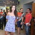 Thaila Ayala aposta em vestido levinho para feijoada da Grande Rio